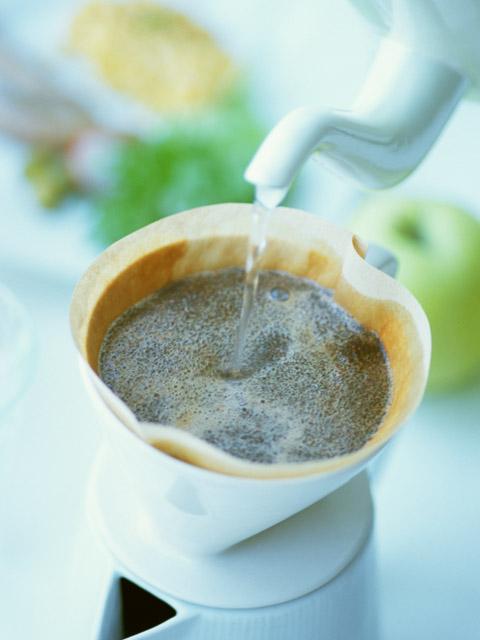 ドリップして淹れるコーヒー