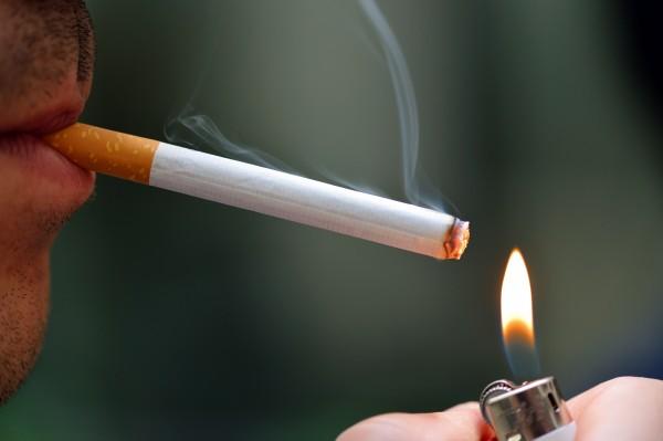 タバコやストレスは活性酸素が増える